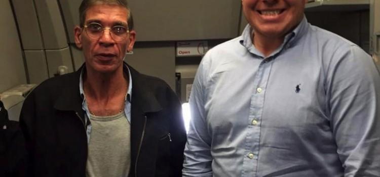 Volo EgyptAir dirottato: selfie con il dirottatore